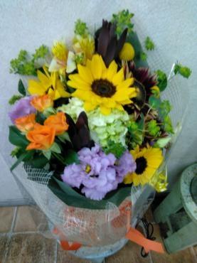 2種のひまわりの花束
